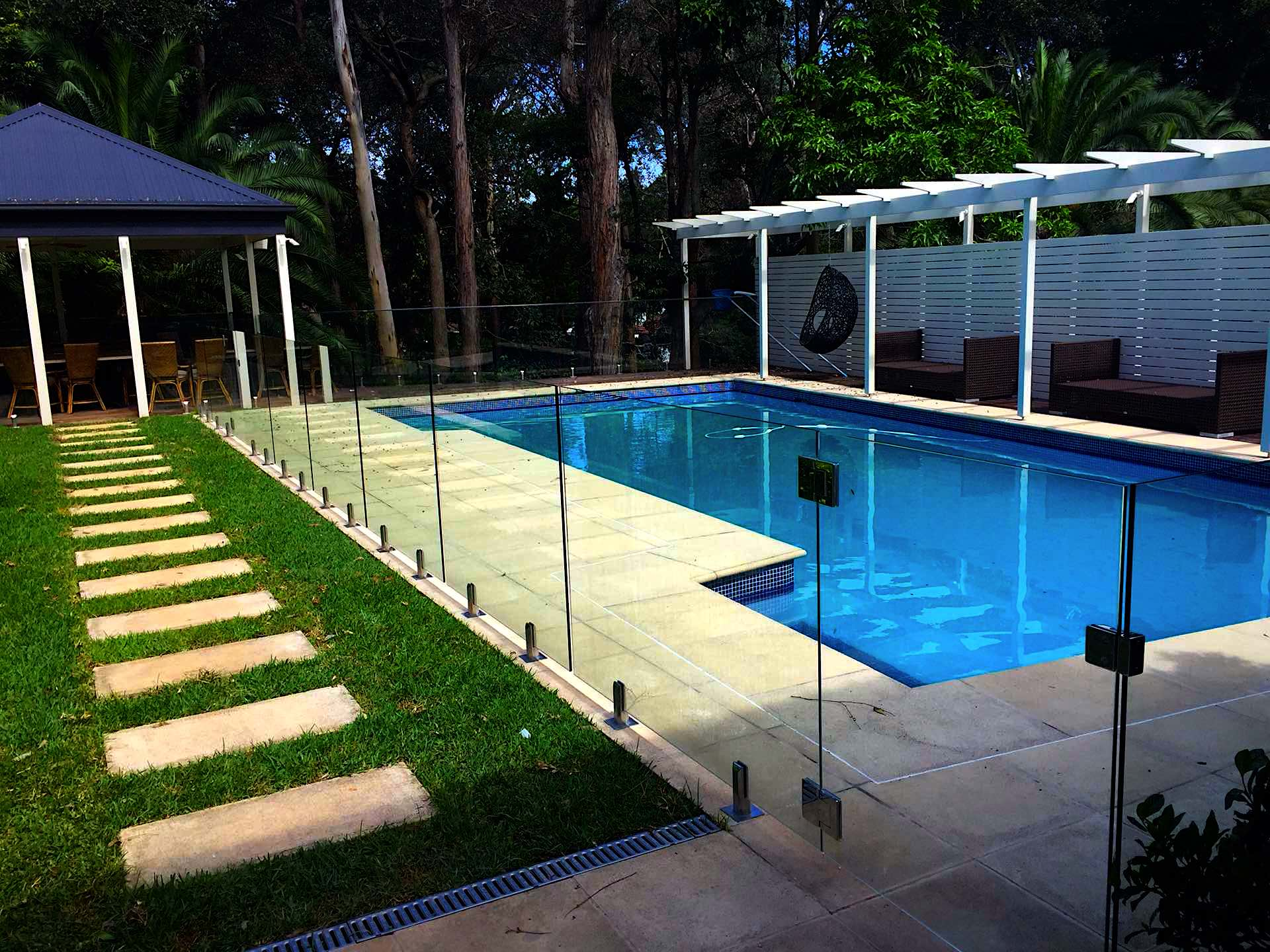 Top Benefits Of Glass Pool Fencing Aaa Fence And Gates